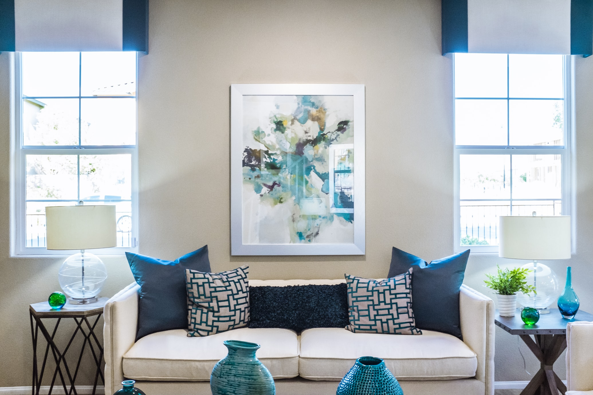 What to Consider When Choosing Wall Decor for Your Home